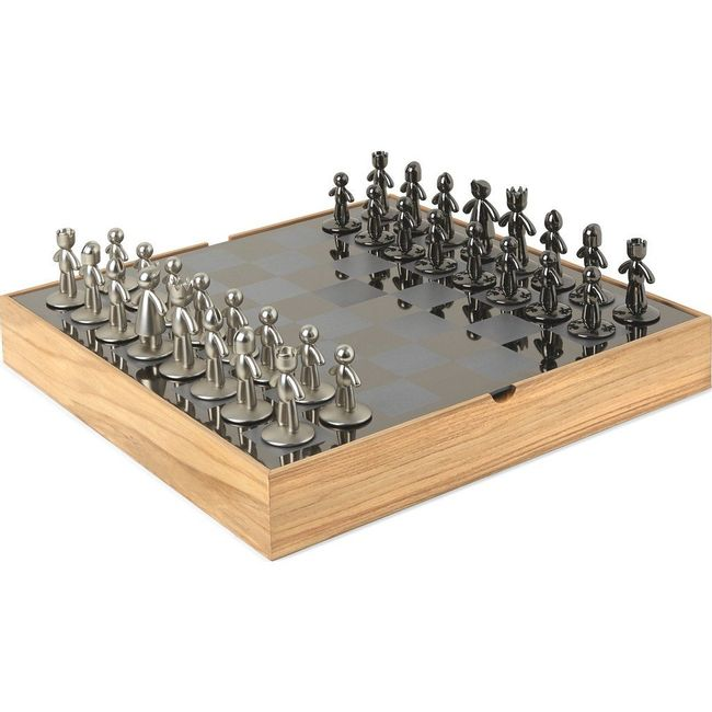 1005304-390_UMBRA_BUDDY_CHESS_SET_NATURAL_01
